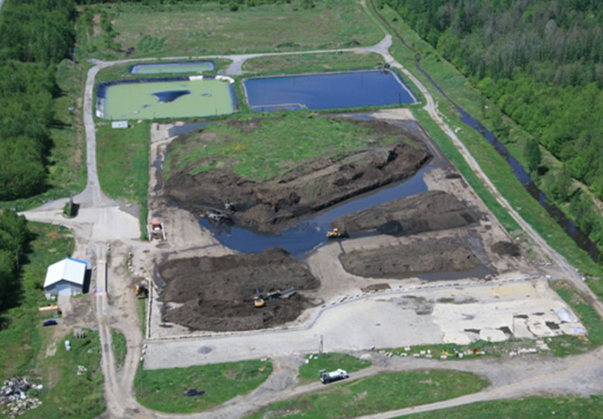 From 2010 to 2013, Viridis and its partners, Sanexen and Transport Serro, cleaned up the former Compostage Mauricie site. Viridis has recycled close to 300,000 tonnes of compost on farmland in Quebec.