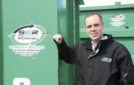 Camion transport des Services environnementaux Richelieu pour fertilisation agricole organique
