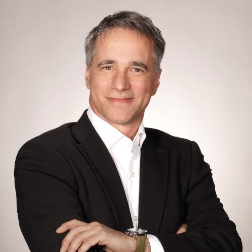 François Léveillée : Directeur, Développement et commercialisation, division Traitement